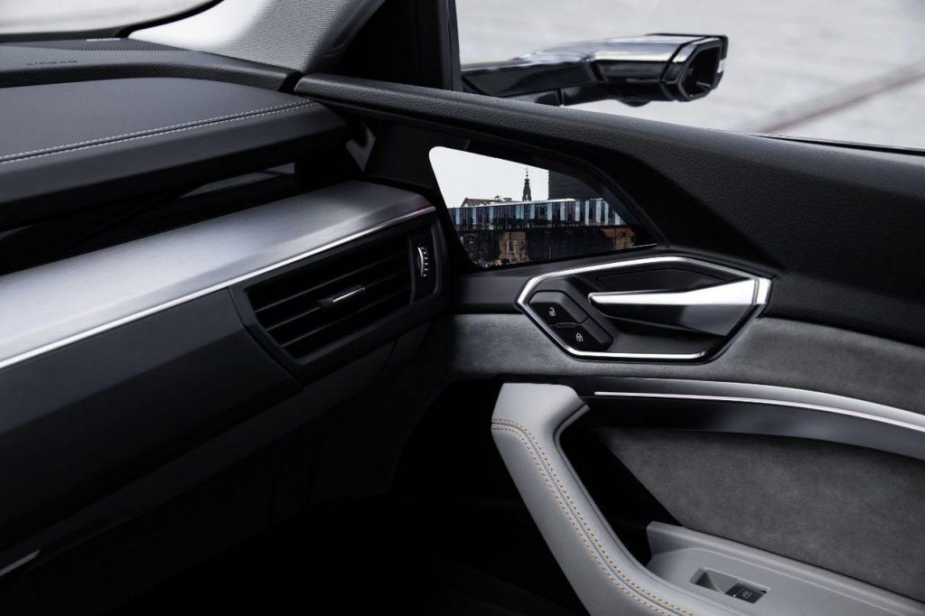 Audi e-tron Interieur Elektroauto_2