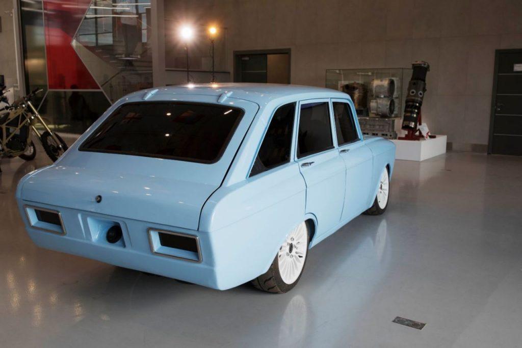 Kalaschnikow CV-1 Elektroauto_1