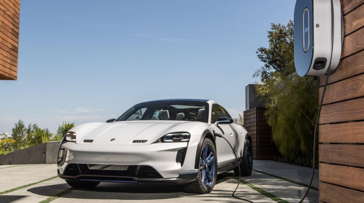 Porsche Taycan rollt noch in diesem Jahr auf den Markt