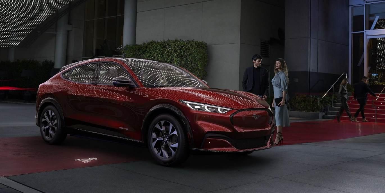 Ford Mustang Mach-E nun auch ganz offiziell enthüllt
