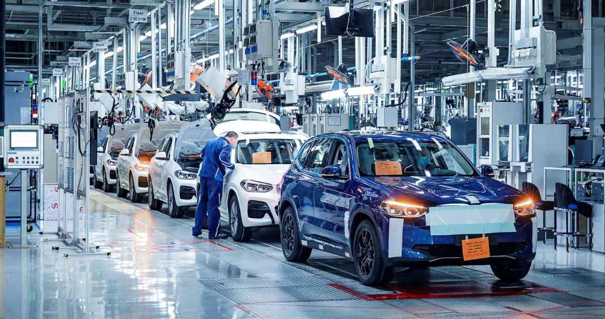 BMW iX3 liegt voll im Zeitplan. Marktstart noch in diesem Jahr