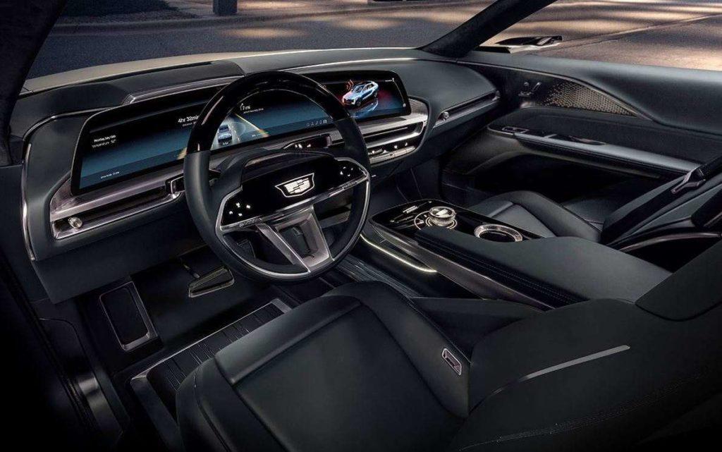 Cadillac Lyriq Ansicht des Cockpits mit Blick von der Fahrerseite