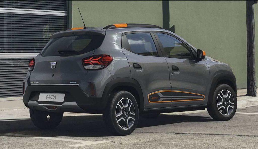 Dacia Spring Electric Ansicht von seitlich hinten
