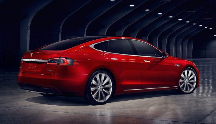 Tesla Model S Heckansicht