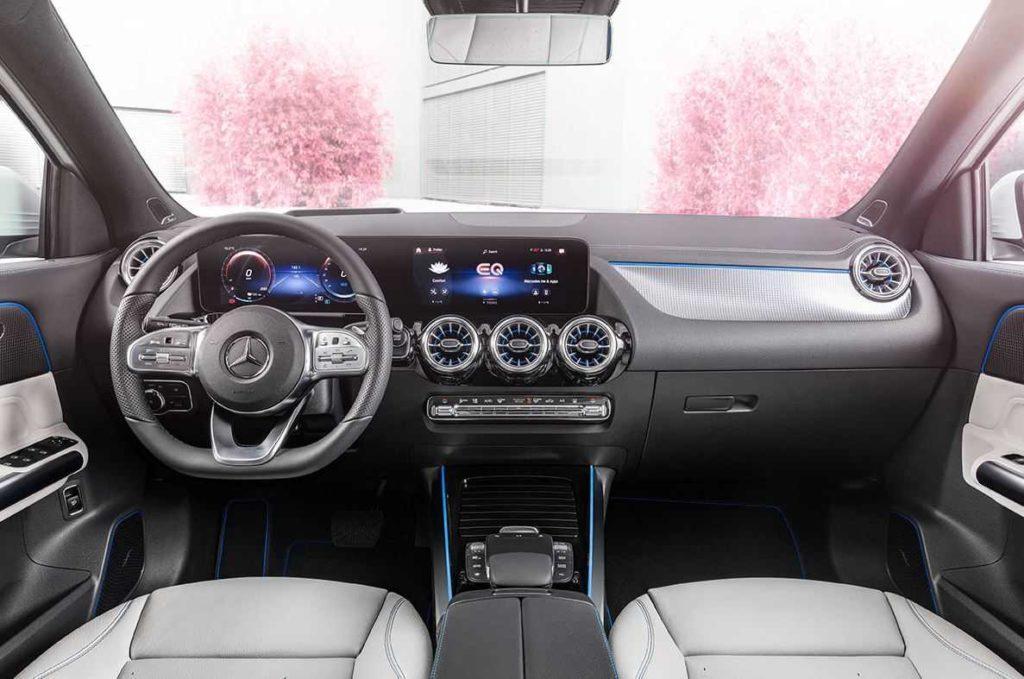 Mercedes EQA Innenansicht Cockpit