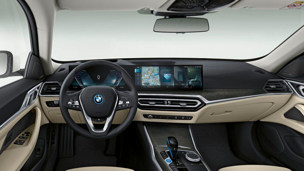 Innenraum der Coupé-Limousine BMW i4 eDrive40