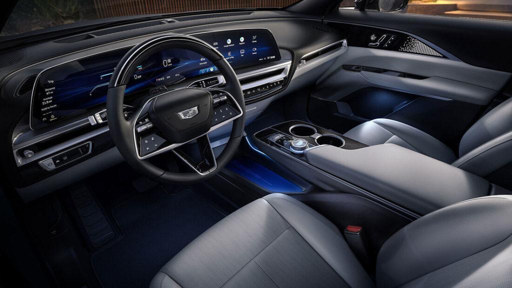 Innenraum mit gekrümmtem Bildschirm des Cadillac Lyriq