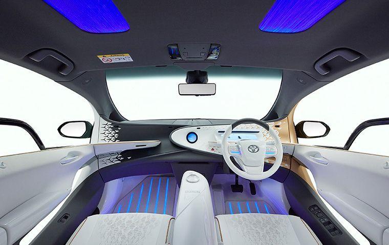 Futuristischer Innenraum des Konzeptautos Toyota LQ